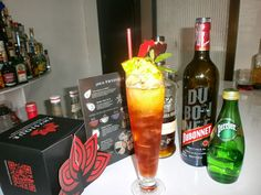 @ZacapaRum @SPerrier_USA CRIMSON ICED TEA. http://nuevamixologiacolombiana.blogspot.com/2013/10/signature-cocktails-lxxxvi-crimson-iced.html