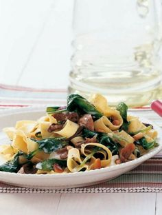 Pappardelle with spinach and mushrooms