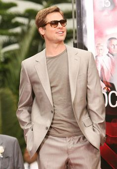 Pin for Later: 51 Things You Might Not Know About Brad Pitt He Was an Extra in Less Than Zero Brad Pitt And Angelina Jolie, Jolie Pitt, Brad Pitt Haircut, Less Than Zero, Andrew Mccarthy, Jason Priestley, Preppy Men, James Spader, Gq Men