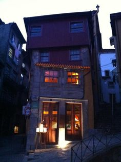 ODE Wine House restaurant Porto Portugal