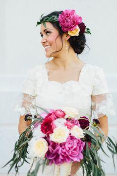 Bold pink bouquet: http://www.stylemepretty.com/2014/10/06/utah-budget-backyard-wedding/ | Photography: Kate Osborne - http://kateosbornephotography.com/