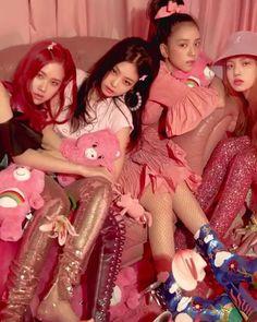 "left to right "" Rosé, Jennie, Jisoo, Lisa Blackpink Jisoo, K Pop, Kpop Girl Groups, Korean Girl Groups, Kpop Girls, Black Pink Lalisa Manoban, Blackpink Wallpaper, My Girl, Cool Girl"