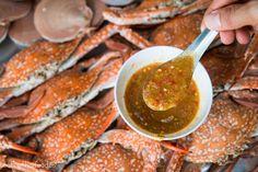 Thai Seafood Sauce Recipe: The Ultimate Seafood Feast? Seafood Buffet, Seafood Menu, Seafood Bake, Seafood Appetizers, Seafood Dinner, Fresh Seafood, Thai Seafood Recipe, Thai Recipes, Sauce Recipes