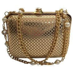 Pre-owned St. John Damier Checkered Chain Crystal Pearl Box Minaudiere... ($200) ❤ liked on Polyvore featuring bags, handbags, clutches, gold metallic, box clutch, pearl evening bag, evening bags, chain strap purse and evening bags clutches