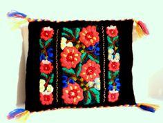Vintage Handmade Folk Art Floral by happenstanceNwhimsy on Etsy, $15.00
