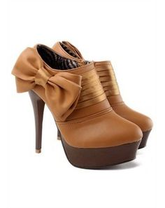 charming bow heel boots!