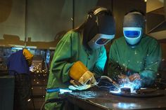 PEORIA — Caterpillar Inc. employees visited Manual Academy on Friday to do a little in-class welding.