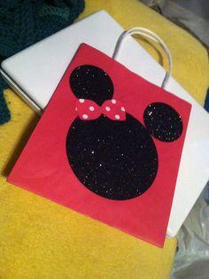 Cute Minnie mouse bag! :)