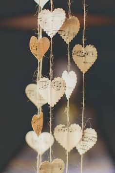 Easy to make romantic sheet music decoration projects - DIY Vintage Decor Ideas . - Easy To Make Romantic Sheet Music Decoration Projects – DIY Vintage Decor Ideas – Amz Dego – - Diy Vintage, Vintage Decor, Vintage Ideas, Vintage Wood, Wedding Planning Pictures, Wedding Pictures, Sheet Music Crafts, Sheet Music Decor, Romantic Notes