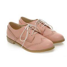 Aliexpress.com: Comprar Caliente venta tallado encaje Up zapatos Oxford mujer moda dedo del pie redondo del estilo de inglaterra mujer Oxfords Ladies Casual Flat Brogue zapatos de material de encaje para la venta fiable proveedores en Fashion Kingdom