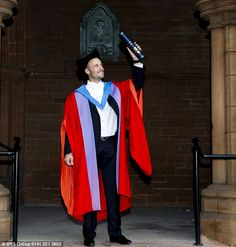 Oscar Pistorius receives an honorary doctorate from Strathclyde University, for his athletics and charity work