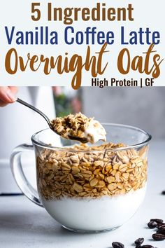 Recipes Breakfast Overnight Oats Vanilla Latte Overnight Oats - These gluten free overnight oats with Greek yogurt are a simple, 5 ingredient and protein packed way to start your day! Make them ahead for easy mornings! Overnight Oats With Yogurt, Overnight Oatmeal, Overnight Breakfast, Healthy Breakfast Recipes, Healthy Snacks, Healthy Recipes, Healthy Breakfasts, Breakfast Smoothies, Delicious Recipes