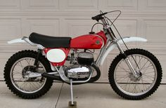 Bultaco Motorcycles, Cool Motorcycles, Vintage Motorcycles, Mx Bikes, Cool Bikes, Custom Bobber, Custom Bikes, Moto Bike, Motorcycle Gear