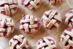 #Vegan Strawberry Pie Mini Muffins | The Colorful Kitchen