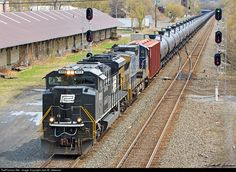 RailPictures.Net Photo: NS 1073 Norfolk Southern EMD SD70ACe at Amsterdam, New York by Jack M. Jakeman