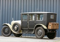 Vintage Cars, Antique Cars, Car Drawings, Limousine, Old Cars, Cars And Motorcycles, Bike, Chauffeur, Vehicles