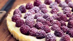 Vil du servere tærten for dine gæster og samtidig ose af overskud, kan du med…