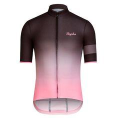Nueva versión refinada del maillot más ligero y transpirable de Rapha, diseñado para los entornos más cálidos del mundo.