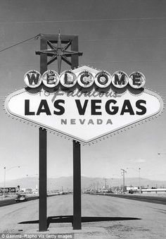 Welcome to fabulous Las Vegas sign.before the strip was the strip.would have loved to have gone to Vegas in the old times Las Vegas Sign, Las Vegas Nevada, Vegas 2, Vegas Party, Lost Vegas, Vegas Theme, Vegas Casino, Las Vegas Photos, Cities