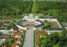 Fredensborg Slot, kongefamiliens residens i Fredensborg i Nordsjælland