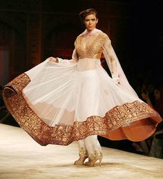 A model in a Manish Malhotra outfit  Wills Lifestyle India Fashion week