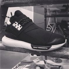 Fast track to the future of sportswear! What are your thoughts on the black version of the @y-3 QASA HIGH shoes?   Thanks to @Highsnobiety for the image, taken at @Carol Van De Maele DEL CASALE.  ‪#‎adidas‬ ‪#‎y3‬ ‪#‎sneaker‬ ‪#‎qasa‬
