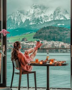 Beautiful views in Luzern, Switzerland 🇨🇭 Photo b Travel Around The World, Around The Worlds, Nature Photography, Travel Photography, Park Photography, Photography Equipment, Image Nature, Nature Pics, Destination Voyage
