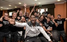 Juve Campione d'Italia: festeggiamenti ed interviste. Tevez: io dormivo! VIDEO #juventus #campione