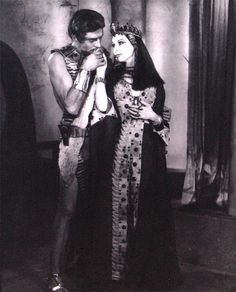 Vivien Leigh and Laurence Olivier in Antony and Cleopatra by Angus McBean