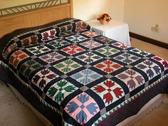 Bears Paw Quilt -- superb meticulously made Amish Quilts from Lancaster (hs387)