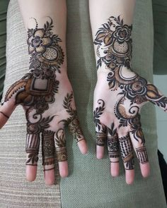 Hi everyone , welcome to worlds best mehndi and fashion channel Zainy Art . Hope You guys are liking my daily update of Mehndi Designs for Hands & Legs Nail . Henna Hand Designs, Mehndi Designs Finger, Rose Mehndi Designs, Latest Bridal Mehndi Designs, Mehndi Designs For Girls, Mehndi Designs For Beginners, Modern Mehndi Designs, Wedding Mehndi Designs, Mehndi Designs For Fingers