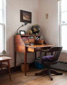 Diy desk 541557923940674236 - When I was growing up my mom had a real, antique secretary cabinet. You know, the kind with the drop-front desk and all the little nooks and… Source by lopezaf Desk In Living Room, Living Room Cabinets, Bedroom Desk, Living Spaces, Bedroom Furniture, Writers Desk, Home Office Decor, Decorating Your Home, Sweet Home
