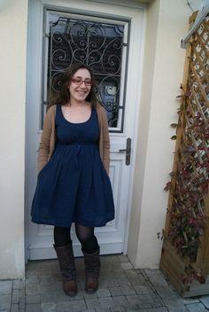 Aubépine bleu marine par Yasmine : très #wearabilityproject !