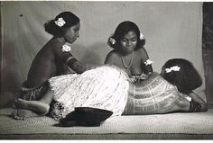 Sharing old photos of people from Motu, Central Province, PNG with you all (previously posted during the Tep Tok documentary making). #melanesianmarks #revareva #beauty ▫️ Image 1: Two motu kekeni posing in a demonstration of how to mark revareva. Tattooed girls from Papua New Guinea, circa 1940/50