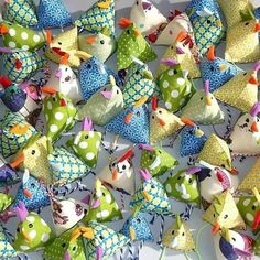 Sew simple mini Easter chickens with instructions for beginners – easy & quick sewing. Sew simple mini Easter chickens with instructions for beginners – easy & quick sewing. Kids Crafts, Easter Crafts, Diy And Crafts, Thanksgiving Crafts, Wood Crafts, Fabric Crafts, Sewing Crafts, Sewing Projects For Beginners, Free Sewing