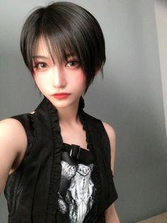 帅嘤嘤 Asian Short Hair, Girl Short Hair, Cute Asian Girls, Cute Girls, Mode Kawaii, Beautiful Japanese Girl, Uzzlang Girl, Pretty Face, Pretty Woman