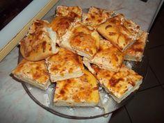 Fokhagymás-tejfölös lepény recept   Receptneked.hu (olcso-receptek.hu) - A legjobb képes receptek egyhelyen My Favorite Food, Favorite Recipes, Ring Cake, Scones, Pizza, Cauliflower, French Toast, Food And Drink, Bread