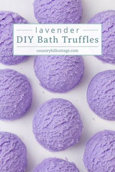 DIY Lavender Bubble Bath Bar Scoops – Bubbling Bath Truffle Recipe Learn how to make DIY lavender bubble bath bars scoops for a spa experience! Made with essential oils, citric Bubble Bar Recipe, Bubble Bath Bomb, Bubble Baths, Homemade Beauty, Homemade Gifts, Bath Bomb Recipes, Truffle Recipe, Schaum, Mousse