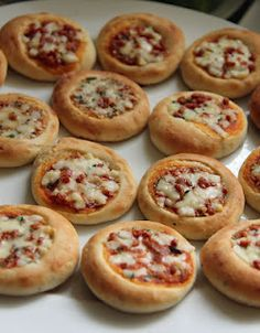 mini pizzas - lots of mini food ideas (These have to be better for you than Bagel/Pizza Bites)