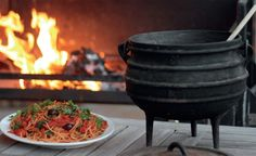 Jan Braai's pretty Puttanesca pasta in a potjie