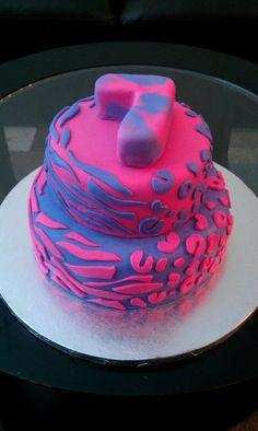 Half leopard and half zebra print cake Zebra Print Cakes, Cupcake Cakes, Cupcakes, How To Make Cake, Birthday Cake, Cooking Recipes, Treats, Desserts, Christmas
