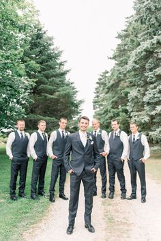Wedding Suits Groom and groomsmen photography Dark Grey Groomsmen, Groomsmen Attire Grey, Groomsmen Poses, Bridesmaids And Groomsmen, Grey Suit Groom, Groomsman Attire, Groom Poses, Grey Tux Wedding, Dream Wedding