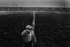 Sebastiao Salgado. 120 refugees live in a train. Ivankovo, Croatia . 1994