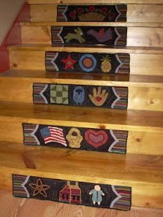 The Middle Sister: Stair Rugs Finished! This makes me wish I had a stairway Stair Risers, Diy Stair, Stair Steps, Rug Hooking Patterns, Rug Patterns, Stair Rugs, Wooly Bully, Quilt Display, Painted Stairs