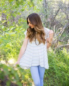 The Sunny Swing Tee Sewing Tutorial + Free Pattern Sewing Clothes, Knitted Fabric, Dressmaking, Sewing Tutorials, Rib Knit, Free Pattern, Blue And White, Stylish