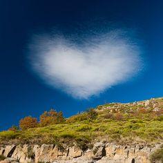 Nuage en forme du coeur, c'est sur l'Aigoual ! Eh oui, on aime les Cévennes. Photo Régis Domergue https://www.facebook.com/photoscevennes