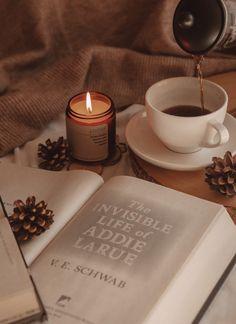 How to Take Especially Cozy Bookstagram Photos | The Espresso Edition