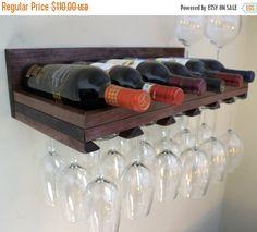 VACACIONES VENTA 7 botella de vino bastidor y por TheKnottyShelf
