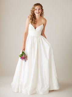 Vestido de noiva simples e elegante com decote