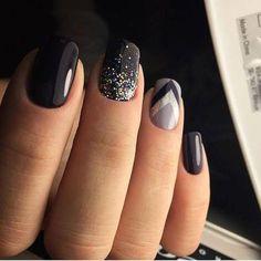 glam matte nails ideas with black nail art 21 ~ Modern House Design Cute Acrylic Nails, Cute Nails, Pretty Nails, Glittery Nails, Glitter Makeup, Shellac Nails, Diy Nails, Nail Polish, Nail Nail